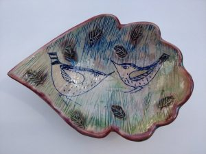 lustre fired leaf plate